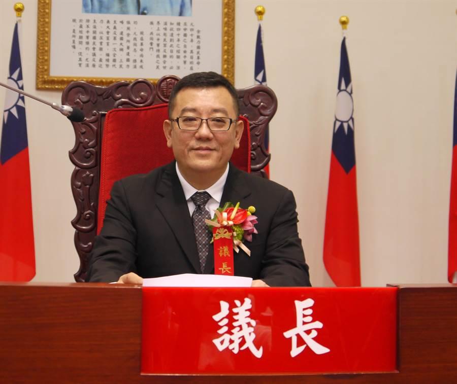 新竹市議會議長許修睿當選全國正副議長聯誼會執行長。(陳育賢攝)