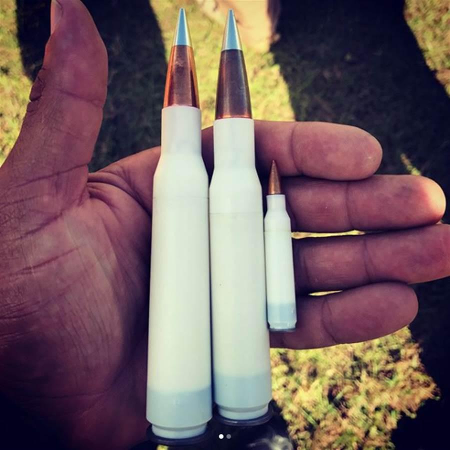 塑膠殼子彈是包裹推進藥的部分由塑膠製作,彈頭與底火還是金屬製。(圖/MAC,LLC)