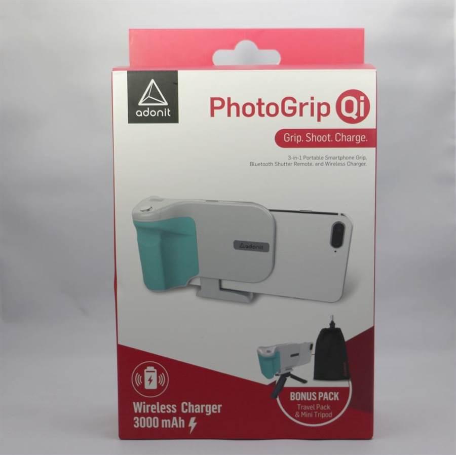 Adonit PhotoGrip Qi包裝盒。(圖/黃慧雯攝)