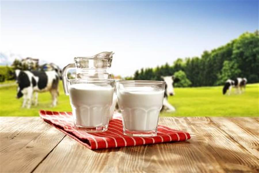為喝一口新鮮牛奶 人類曾如此悲慘(圖片取自/達志影像)