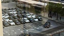 日計程車排超神方陣!外國人驚呆