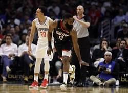 NBA》毫不留情!火箭作客痛宰快艇32分