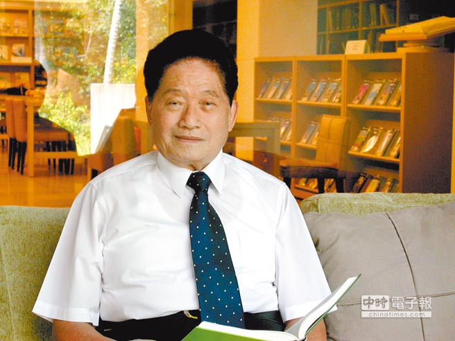 曾任總統府資政等職的羅東博愛醫院創辦人許文政,3日凌晨辭世。(羅東博愛醫院提供)