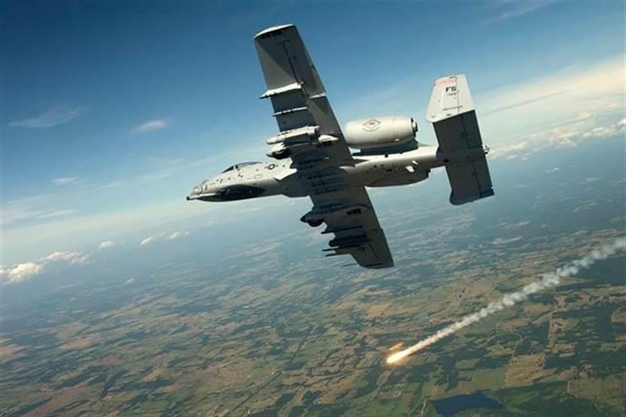 A-10攻擊機將繼續服役,數量不少於170架。(圖/美國空軍)