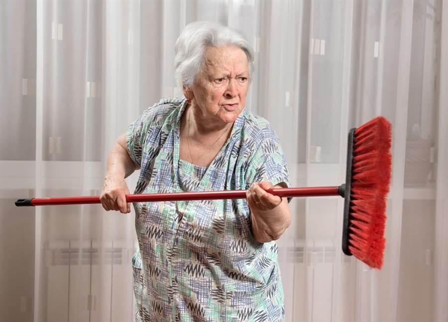 老公外遇60年,80歲阿嬷告80歲小三。(示意圖,達志影像/shutterstock提供)