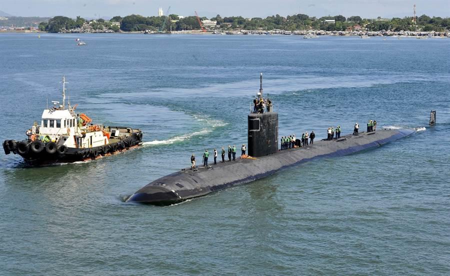 美國洛杉磯級核動力攻擊潛艦在未來幾年內,很可能就會陸續退役,圖為格林維爾號(USS Greeneville,SSN-772)。(美國海軍)