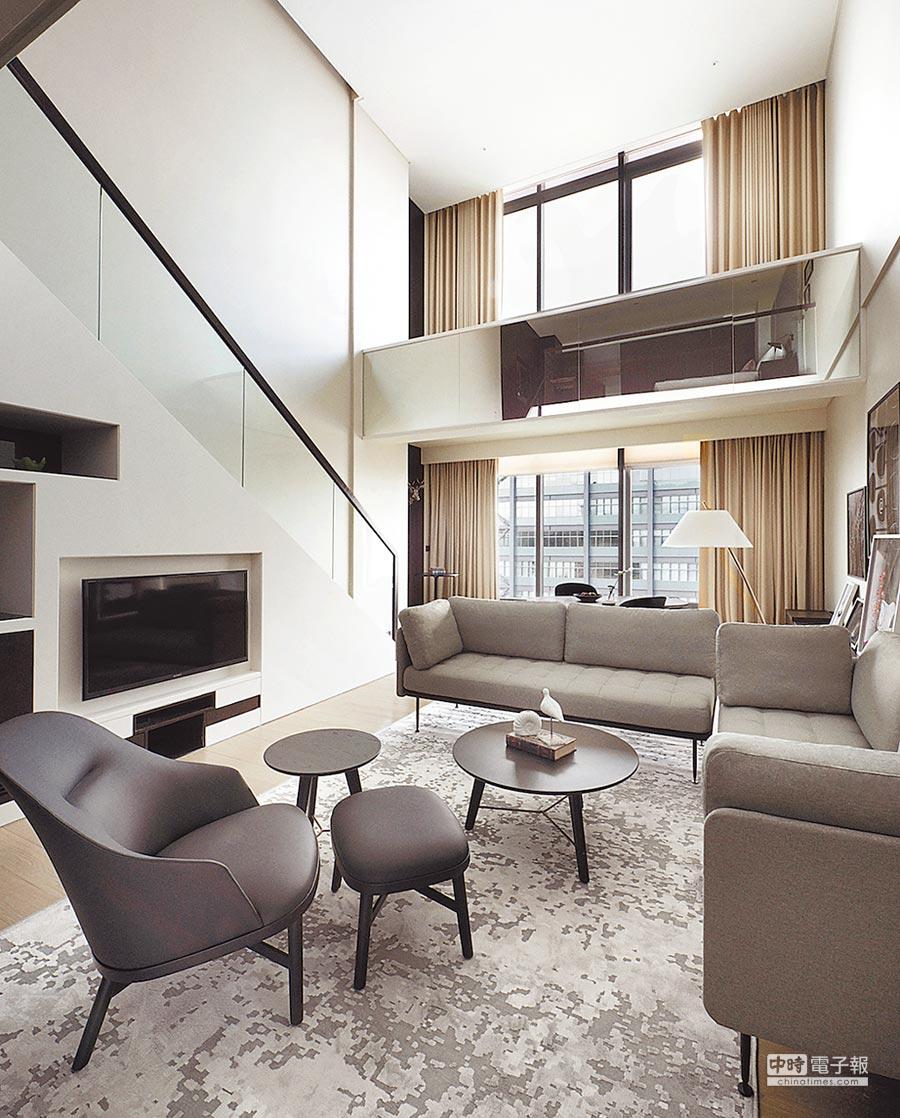 飯店1樓的「GD5 Cafe」不僅是咖啡廳,也是接待房客的櫃檯,讓辦理入住變得格外輕鬆愜意。圖片提供新竹英迪格酒店