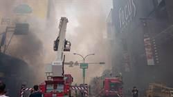 台南火車站商圈火警 燒毀5棟樓7店面