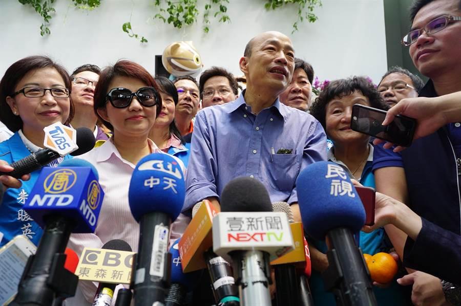 高雄市長韓國瑜接受媒體訪問,表達「吳朱會」、「吳王會」,甚至「吳韓會」的看法。(王文吉攝)