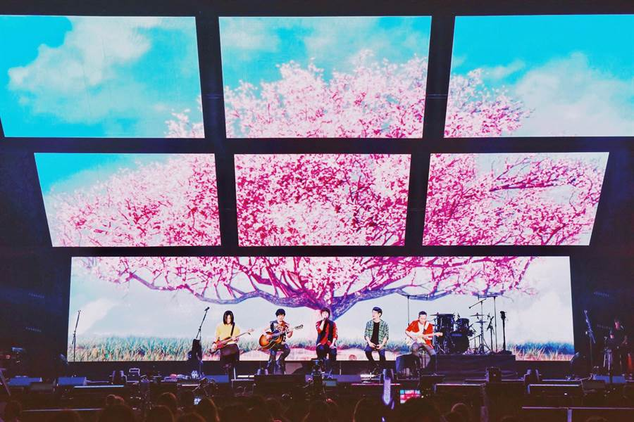 五月天一連兩天在大阪開唱。(相信音樂提供)