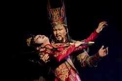 吳興國打造板索里版《霸王別姬》 震撼南韓觀眾