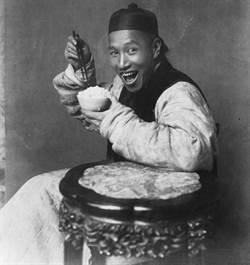 清朝人吃米飯 珍貴古照竟是假的?