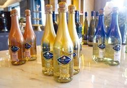 藍仙姑葡萄酒 連貓王都愛喝