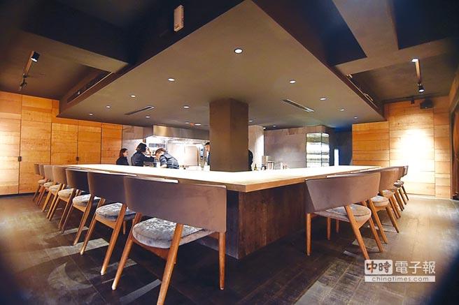 採「板前」料理傳遞用餐體驗的Logy餐廳,2018年11月才正式營業,卻可望在台北米其林摘星。圖/姚舜