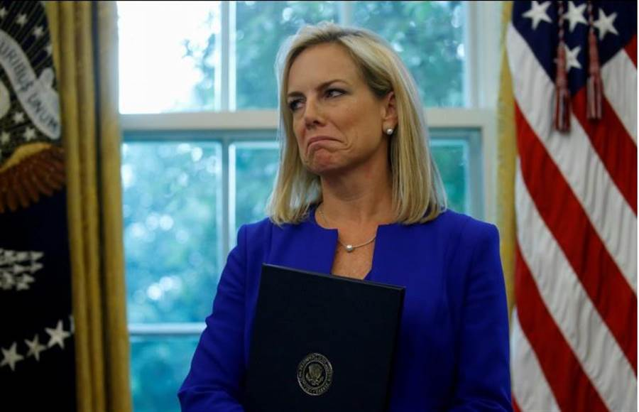 美國國土安全部部長妮爾森2018年6月20日在白宮橢圓形辦公室的資料照。(路透)