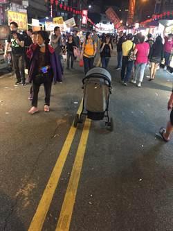 大甲媽起駕攤商亂泊嬰兒車 險被當成棄嬰