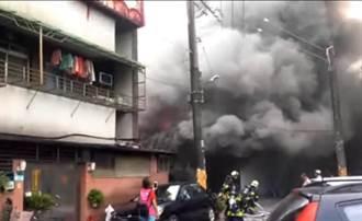 內湖工業區鐵皮工廠火警 1人灼傷