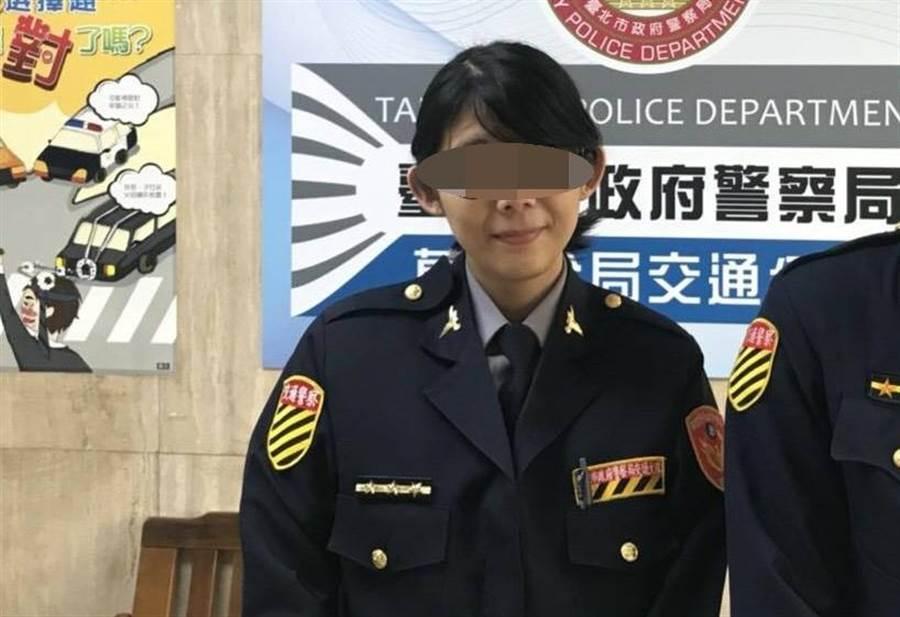 萬華分局交通分隊劉姓女警9日上午在隊部不慎誤擊配槍。〔謝明俊翻攝〕