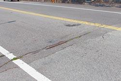 台13線路面破爛 9月起整平