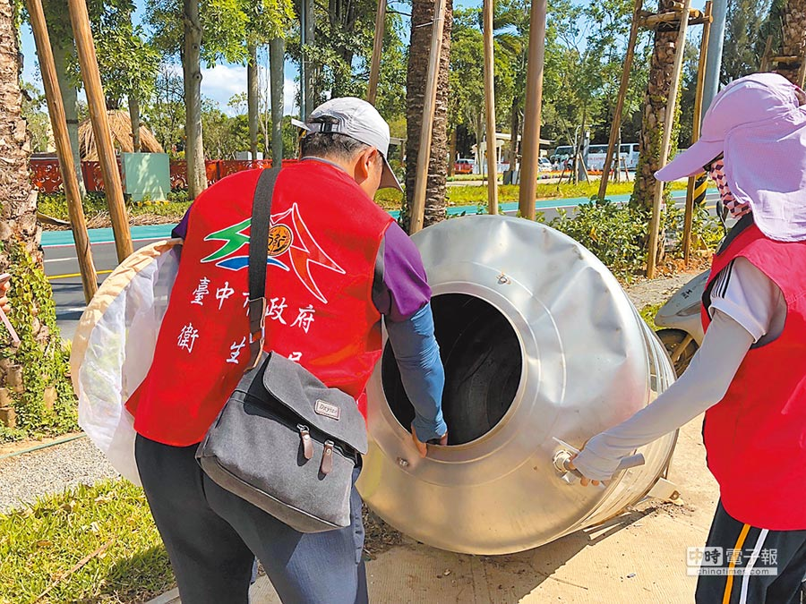 台中市去年本土登革熱疫情嚴重,市府全力動員加強監測疫情及環境消毒。(盧金足攝)