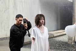 〈微雨〉 MV力邀李淳同濕身 邵雨薇遭水車狂灌4小時