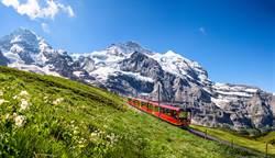 夢幻鐵道旅行夯!5大洲鐵道行程專人帶遊客愜意深訪