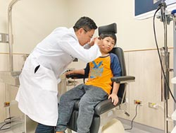 長年流鼻水耳悶 微創手術救聽力