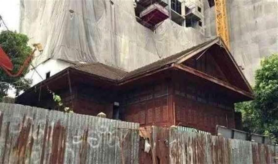 祖傳小木屋後來以3億泰銖賣掉(圖片取自/每日頭條)