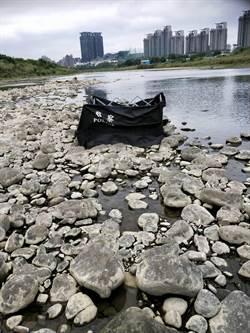 碧潭橋驚現女性浮屍 身分確認中