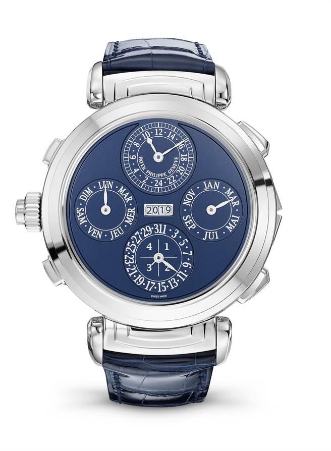 百達翡麗6300G-010雙面藍調大師報時腕表,正反表盤可翻轉,是今年品牌最引以為傲的曠世鉅作。(Patek Philippe提供)