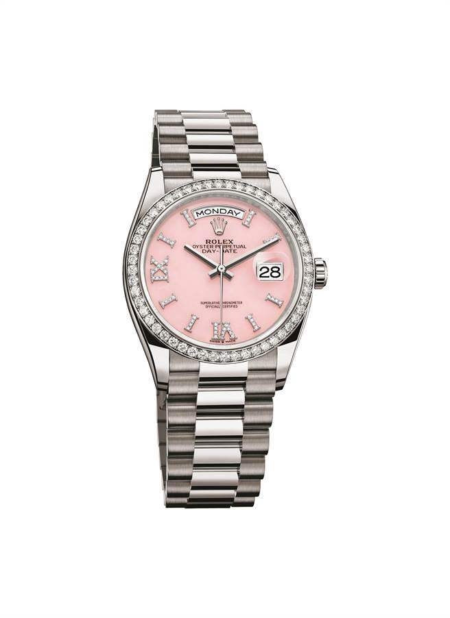 勞力士Oyster Perpetual Day-Date 36腕表大玩表殼與表面對比色,鉑金表殼搭粉紅色蛋白石表盤。(Rolex提供)