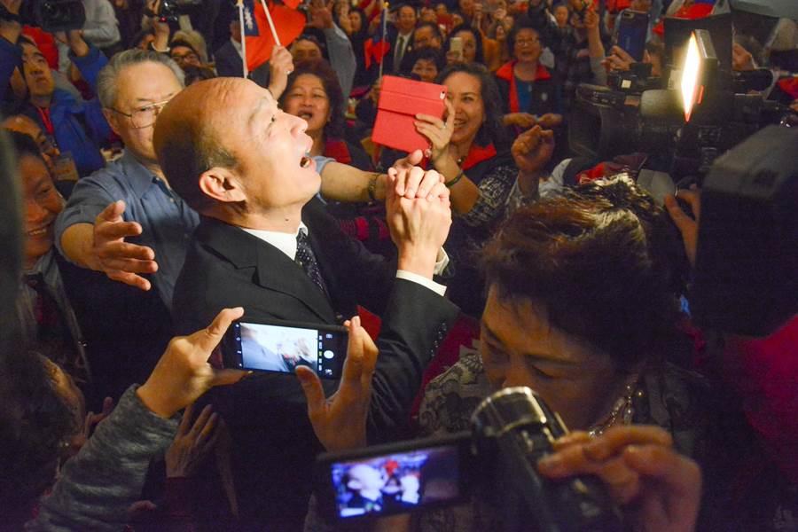 韓國瑜出席波士頓僑宴,受到全場僑胞熱烈歡迎。(林宏聰攝)