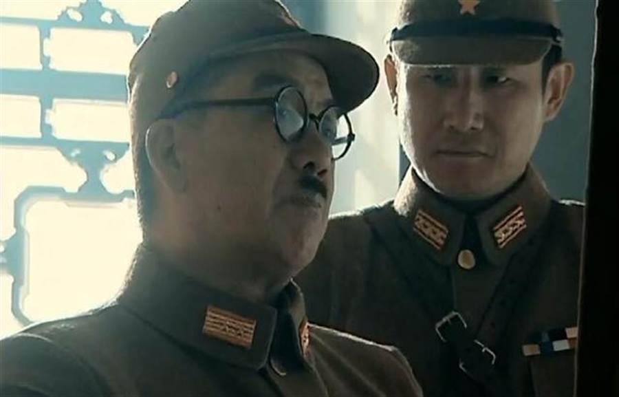 日本士兵鼻下為何都要留一撮鬍子?(圖/翻攝自每日頭條)
