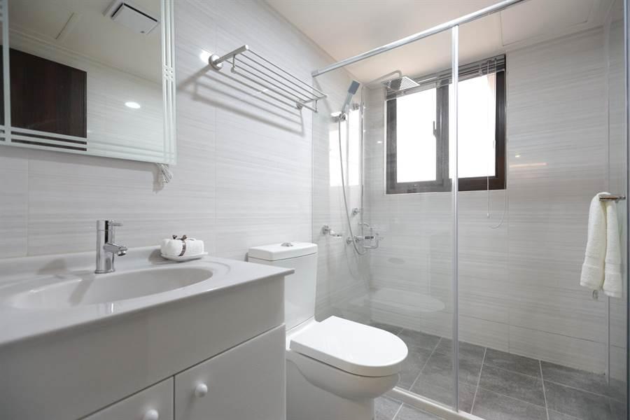 3+1格局雙衛浴皆有對外開窗。圖/易繼中 攝