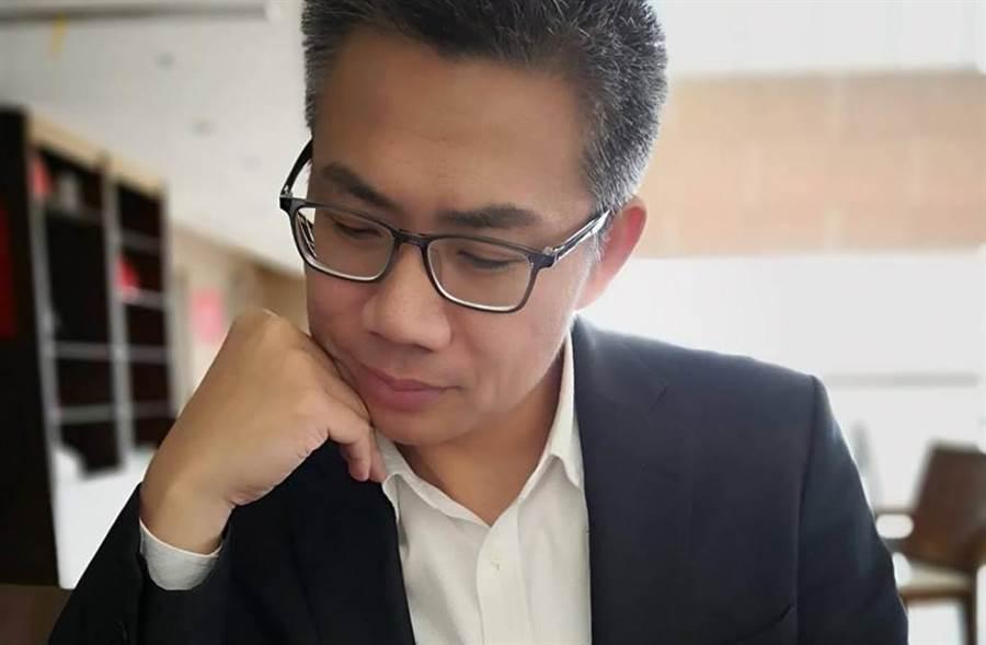 吳敦義宣布不參選2020,羅友志表示「價值僅有一半」。(圖/羅友志臉書)