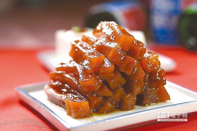 王品〈丰禾日麗〉的手作小菜品項多樣且味道不俗,圖中的〈蜜漬胡蘿蔔〉乍看似〈糖漬地瓜〉,平常不吃紅蘿蔔的人都擋不住。圖/姚舜