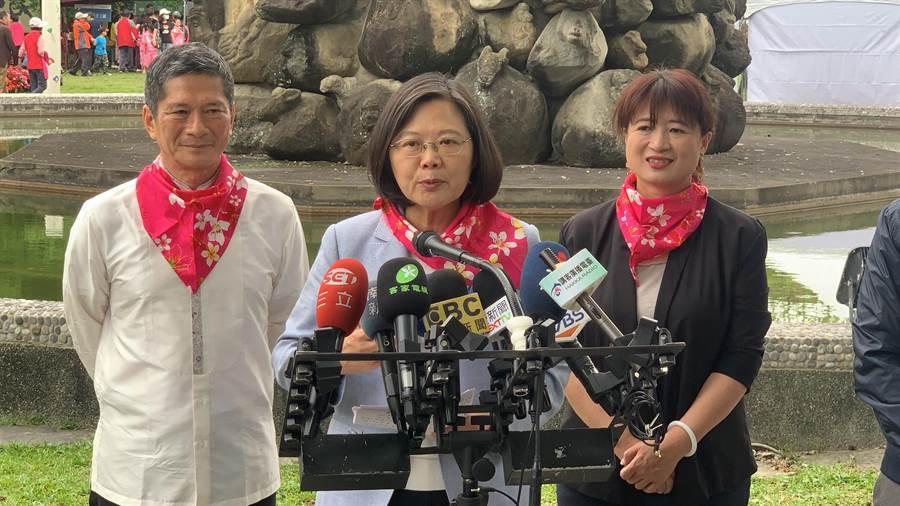 蔡英文表示,希望民進黨內能夠凝聚力量丶同舟共濟。(廖志晃攝)