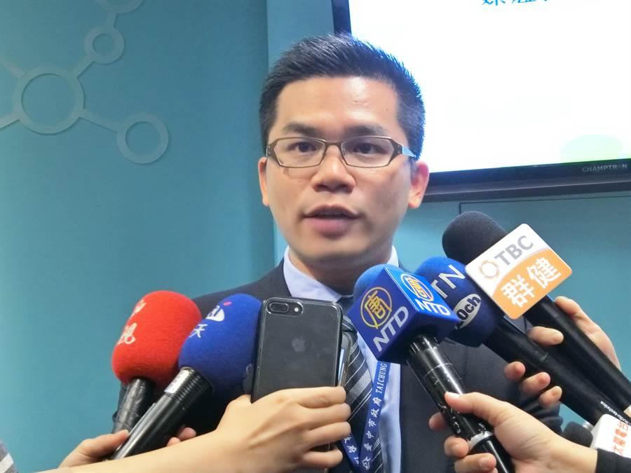 台中市府新聞局長吳皇昇表示,民主社會包容不同理念與聲音,但不允許違法情事發生。(盧金足攝)