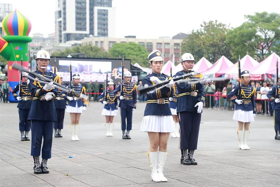 陸軍司令部辦理第三屆全國高級中等學校儀隊競賽北部初賽。(陸軍提供)