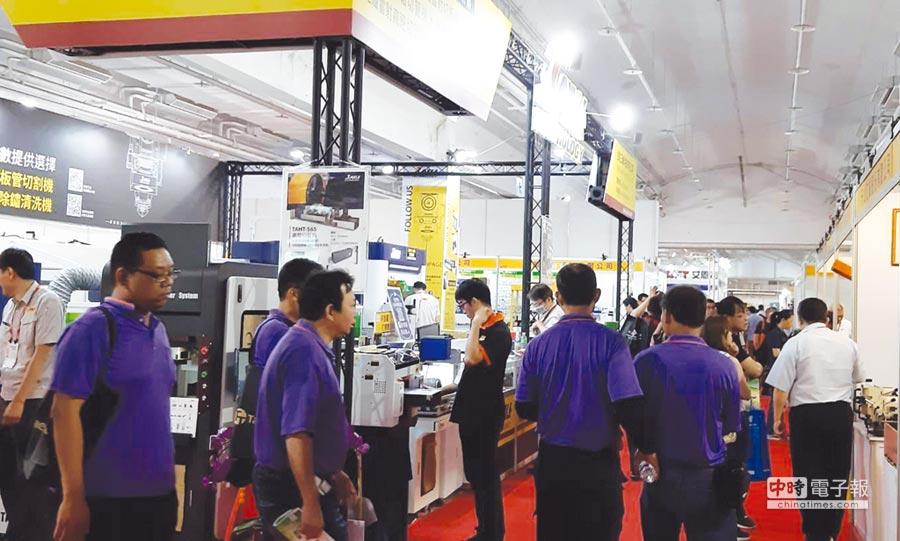 不少工廠的技術人員一起觀展。圖/陳惠珍