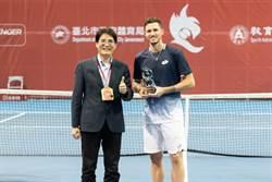 華國三太子網賽 奧國型男初來寶島就奪冠