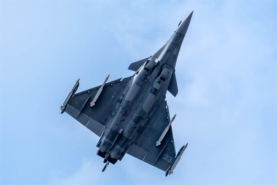 法國達梭飛機(Dassault Aviation)「飆風」(Rafale)戰機的資料照。(達志影像/Shutterstock)