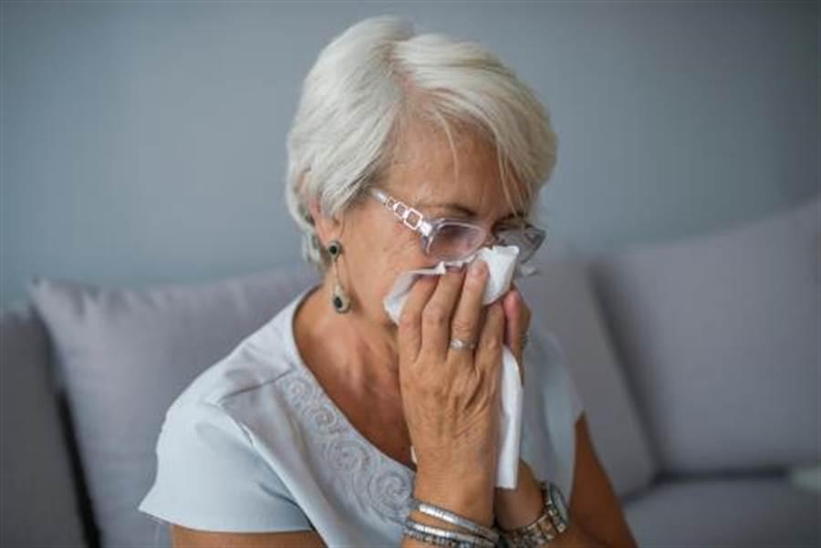 她鼻涕流5年 結果竟是腦流出來(示意圖/達志影像)