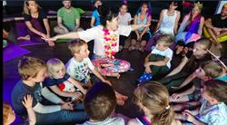 教兒童瑜伽 林芳怡帶孩子找到身體自信