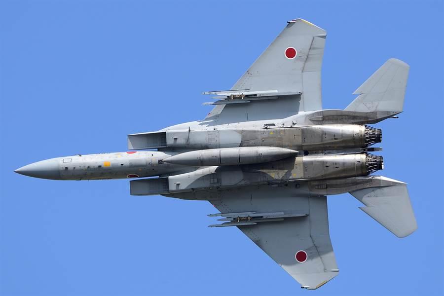 日本航空自衛隊F-15J戰機的資料照。(達志影像/Shutterstock)