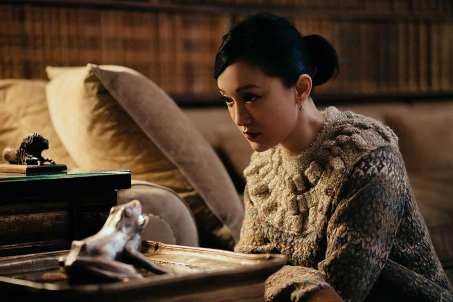 《Mademoiselle Prive》展的靈感源自香奈兒寓所和高訂服工作坊,周迅曾多次走訪香奈兒寓所朝聖,留下美麗倩影。(CHANEL提供)