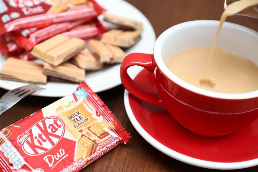 雀巢奇巧奶茶風味巧克力即日起全家獨家上市,四指包售價39元。(品牌提供)