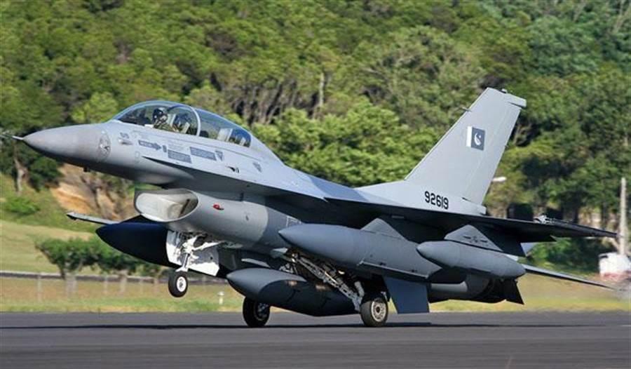 F-16外型優美,設計也相當優異。(圖/網路)