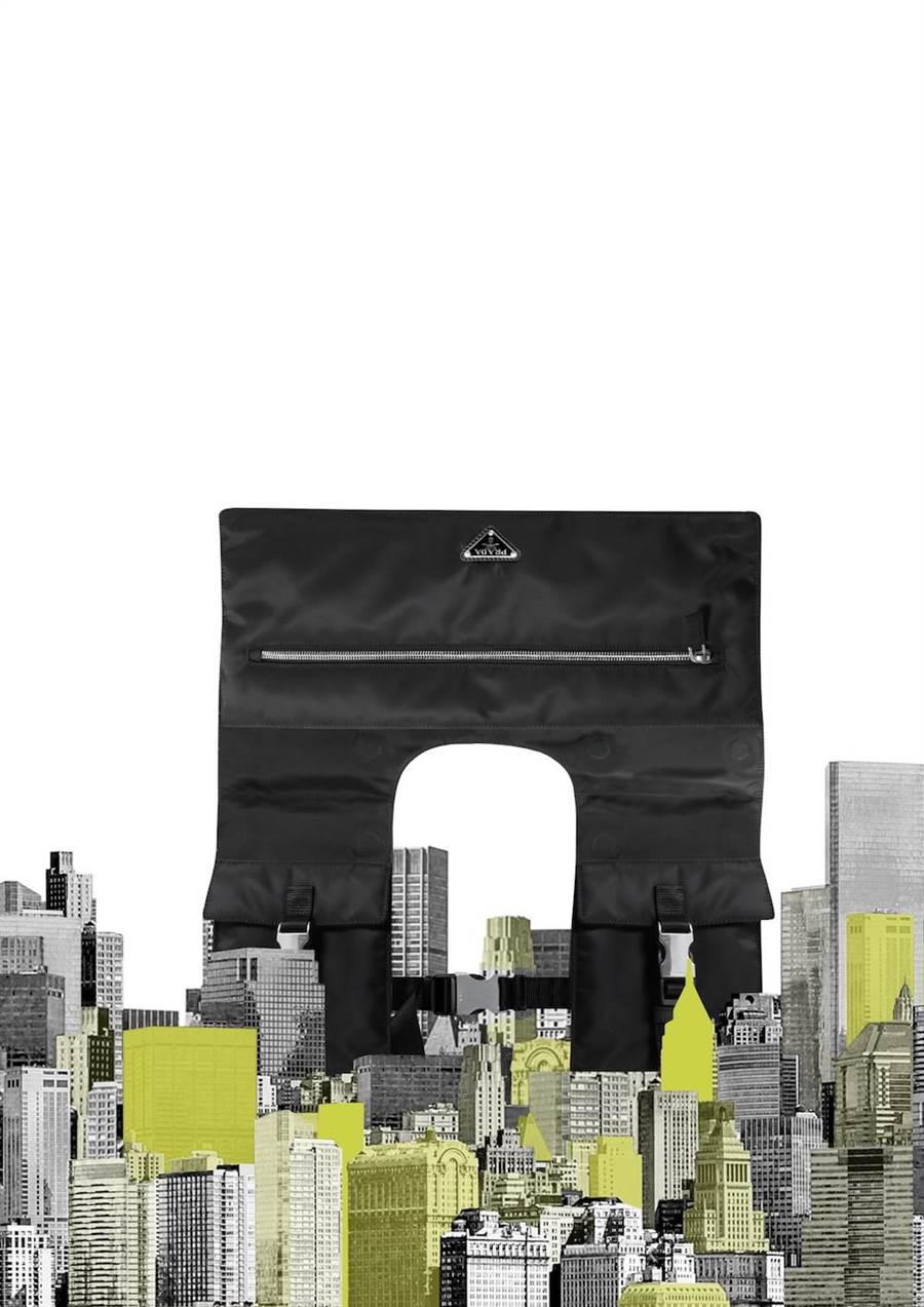 Elizabeth Diller構思了「The Yoke」包款和「The Envelope」掛衣袋。(Prada提供)
