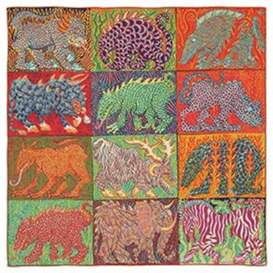 愛馬仕Sweet Dreams圖紋印花羊毛與真絲混紡圍巾100 x 100公分。(愛馬仕提供)